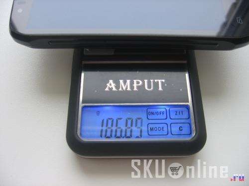 Innos D9 весит почти 187 грамм