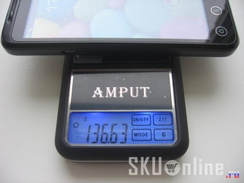 Zopo Zp100 весит немногим более 136 грамм