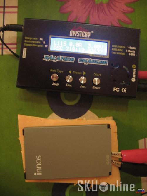 Полностью заряженную батарею Innos D9 разряжаем током 1А