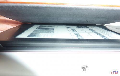 Открываем чехол с Amazon Kindle Paperwhite