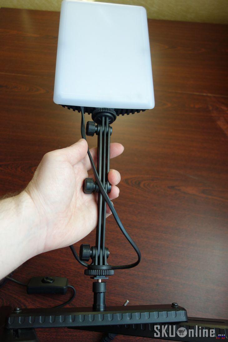Лампа CN-T96 в руке