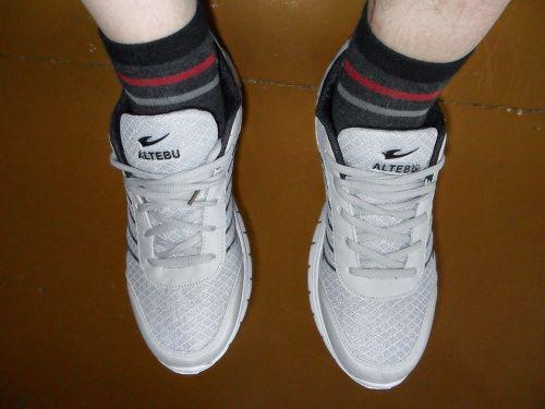 Aliexpress: Неплохие кроссовки за смешные деньги.